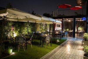 Se comienza a proyectar la reapertura del comercio en Santiago, rubro de restaurantes sería el punto de partida.