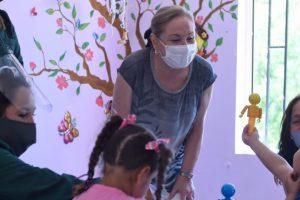Fundación Integra: entrego  5 mil kits de material educativo a niños de jardines infantiles y salas cuna para  vacaciones.